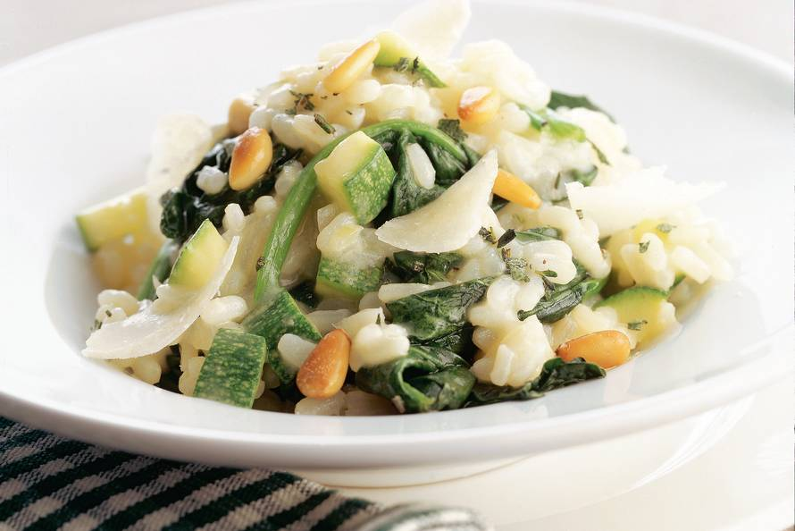 Groene risotto met wilde spinazie & courgette