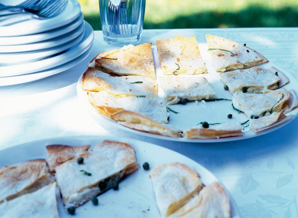 Tortillahapjes met 3 kazen en munt - Albert Heijn