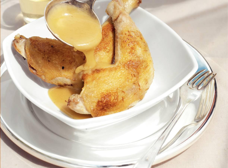 Kip met een saus van witte-wijnazijn