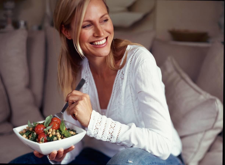 Kikkererwten met spinazie, tomaat en pistachenoten