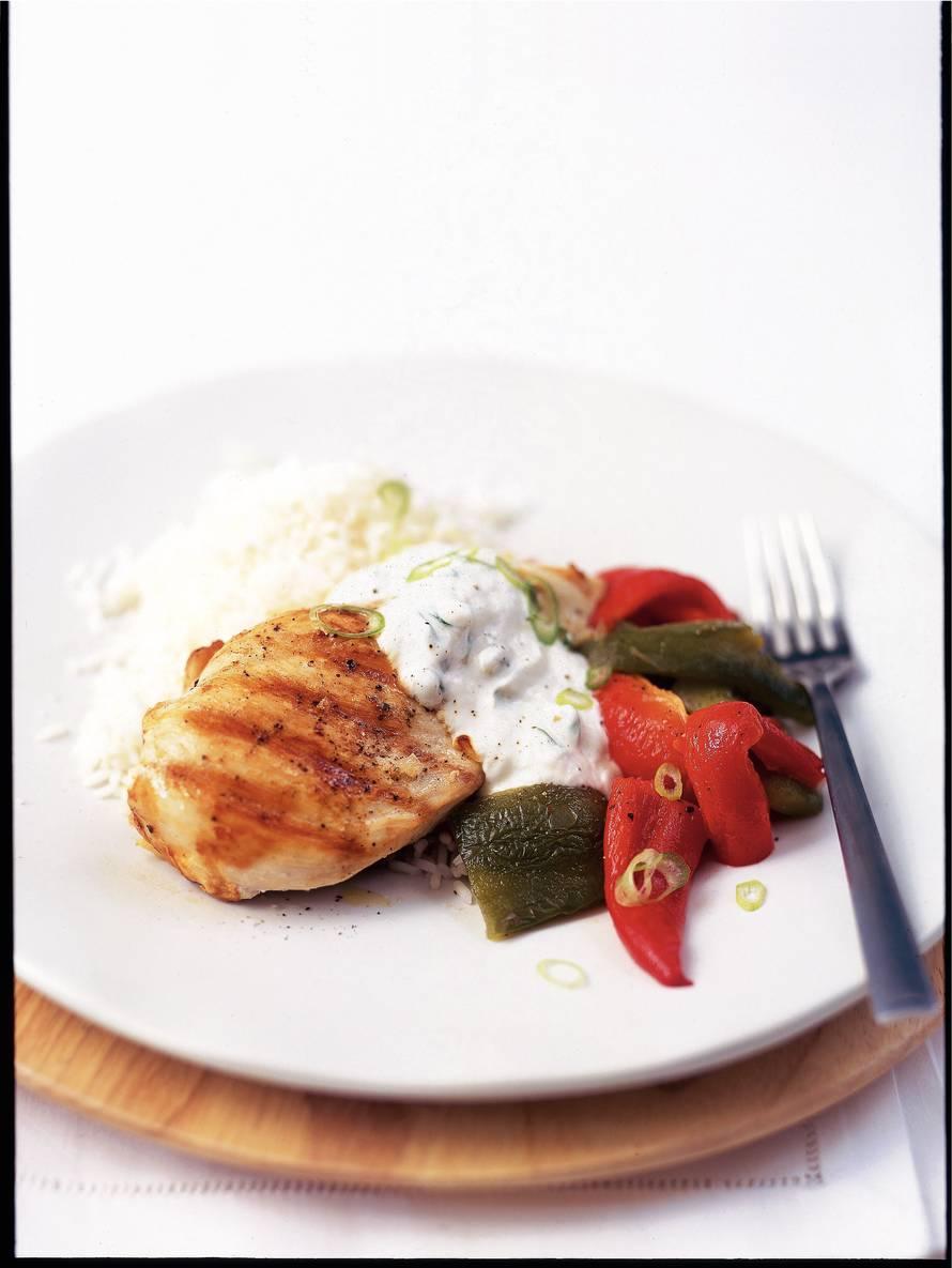 Gegrilde kipfilet met Griekse yoghurt en paprika