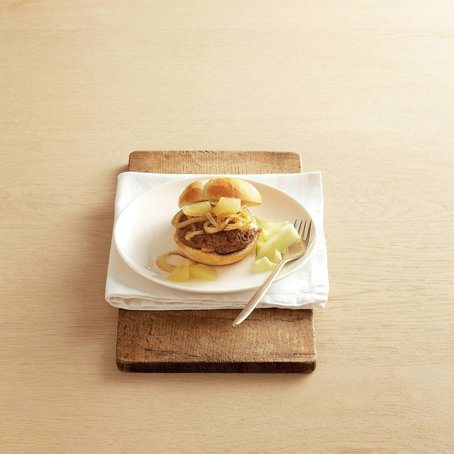 Kaasburger met perencompote