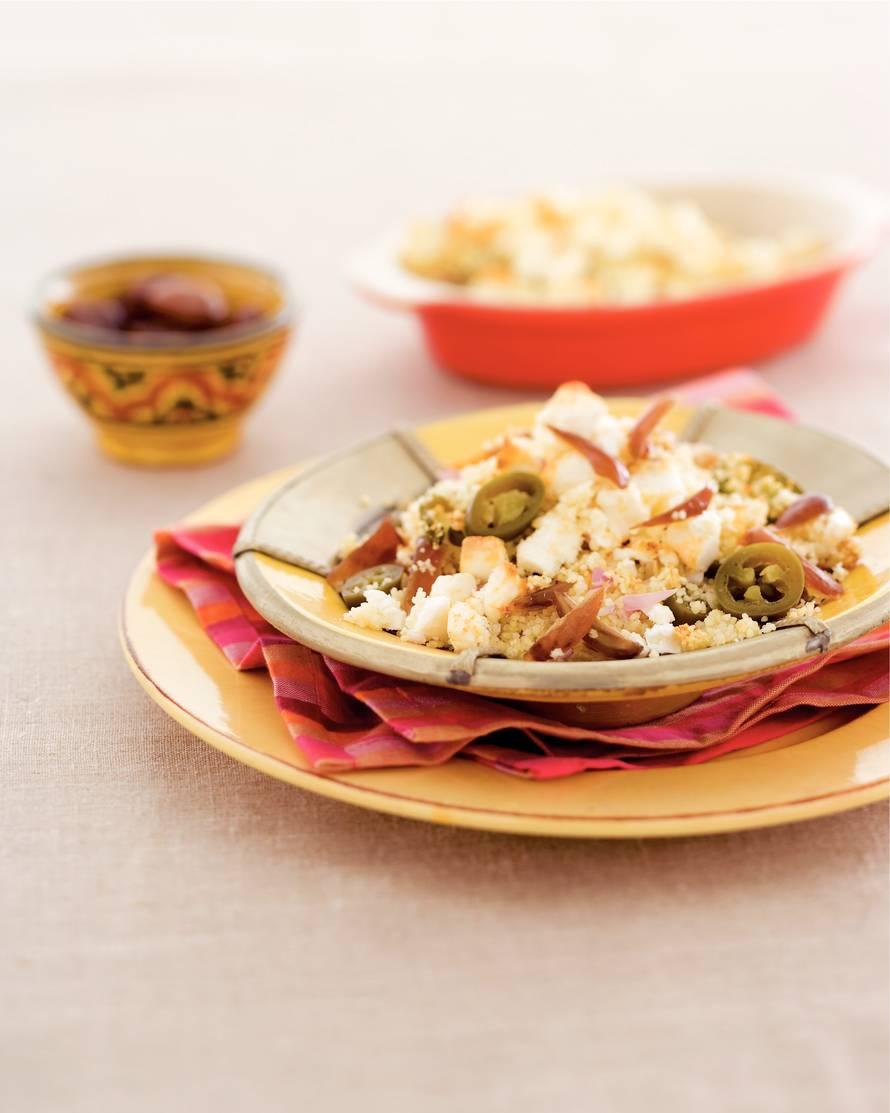 Couscous met dadels, jalapeñopepers en witte kaas