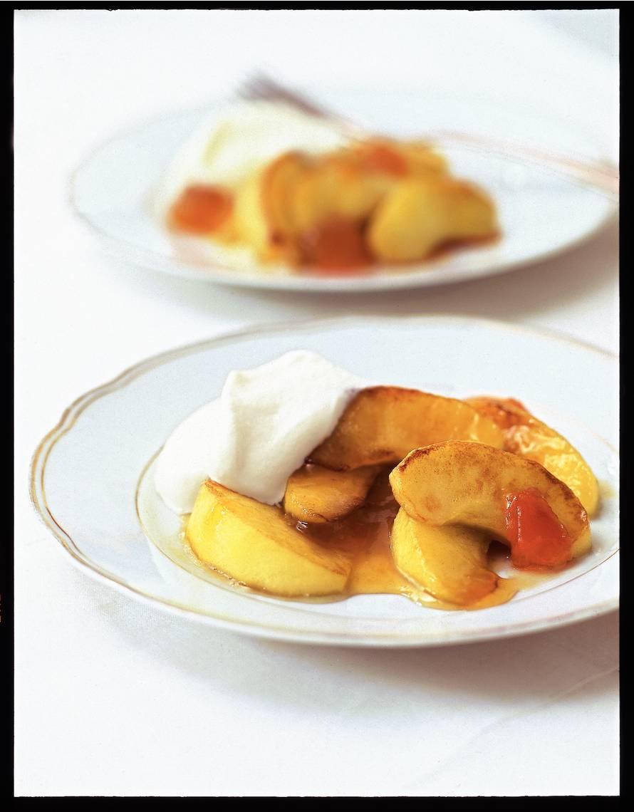 Gebakken appeltjes met abrikozenjam