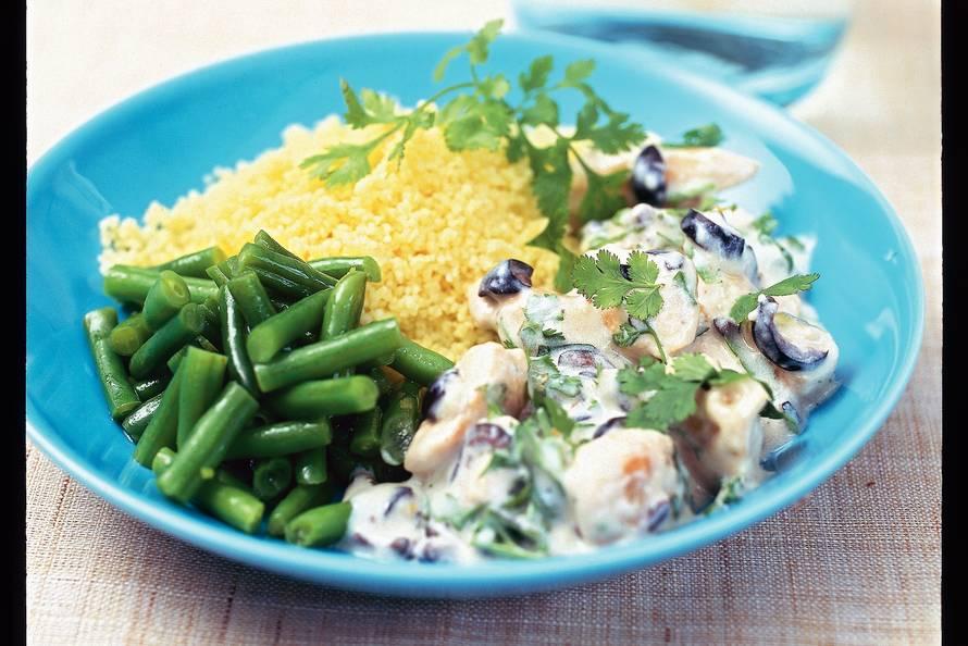 Kip met yoghurt en olijven