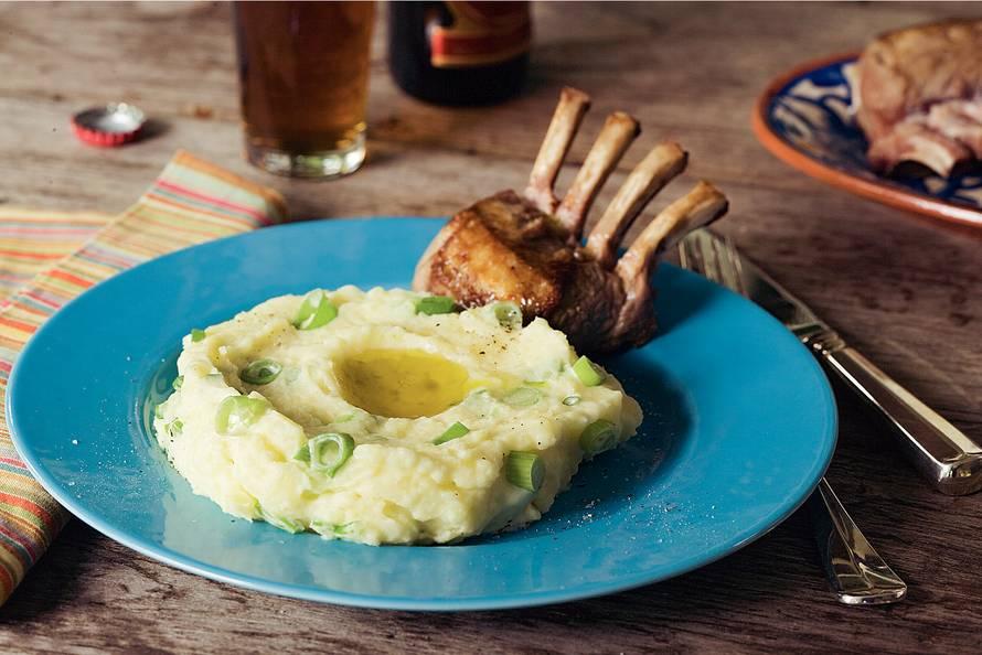 Aardappelpuree met bosui en boter