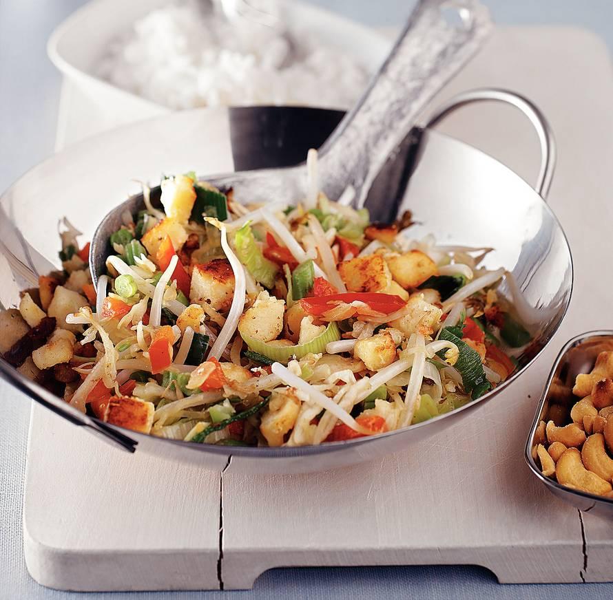 Vegetarische wokschotel met cashewnoten