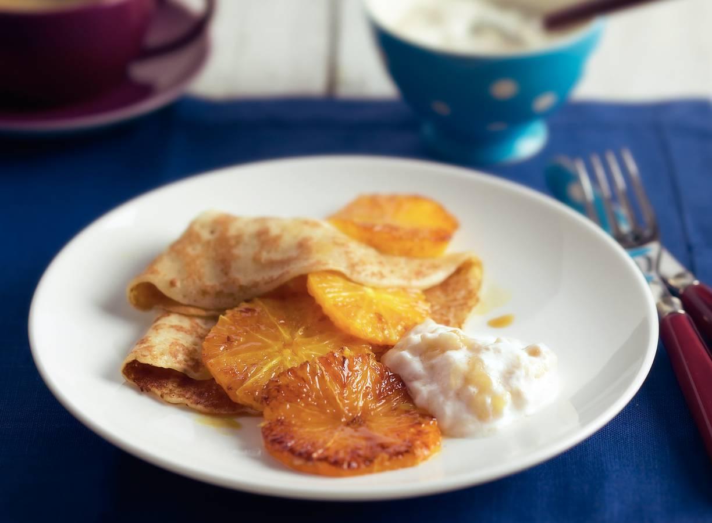 Flensjes met bananenkwark en sinaasappel