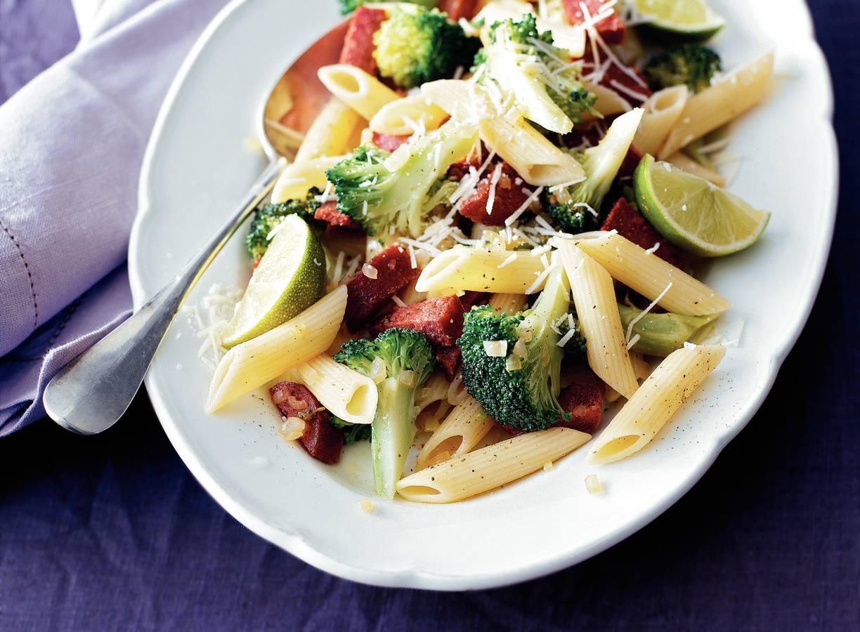Penne met salami en broccoli