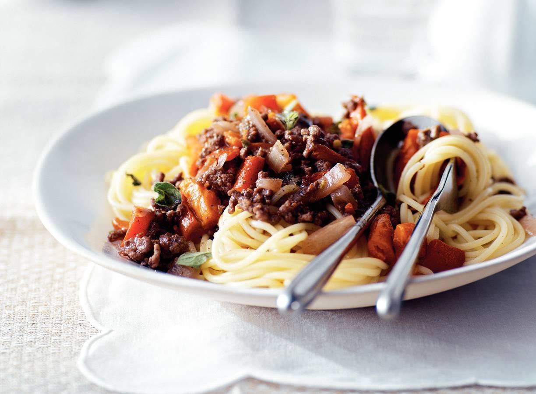 Spaghetti met rode wijn-gehaktsaus