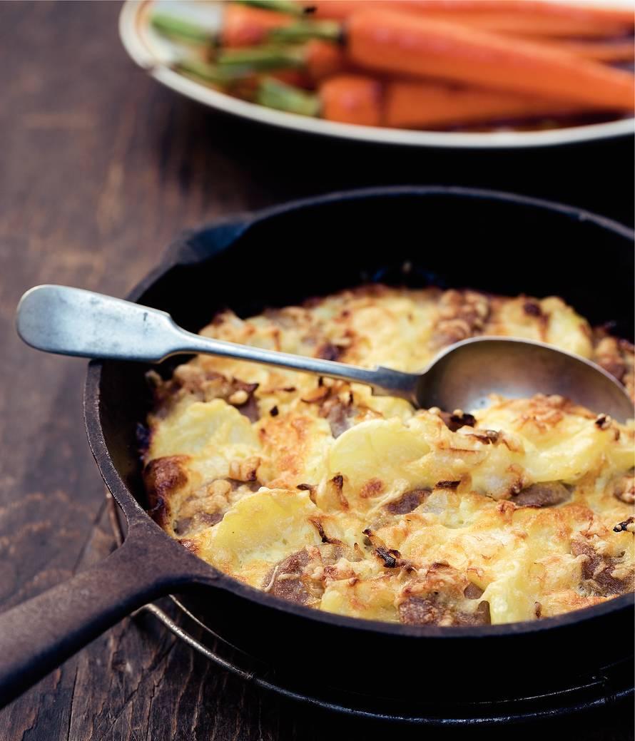 Aardappel-braadworstgratin