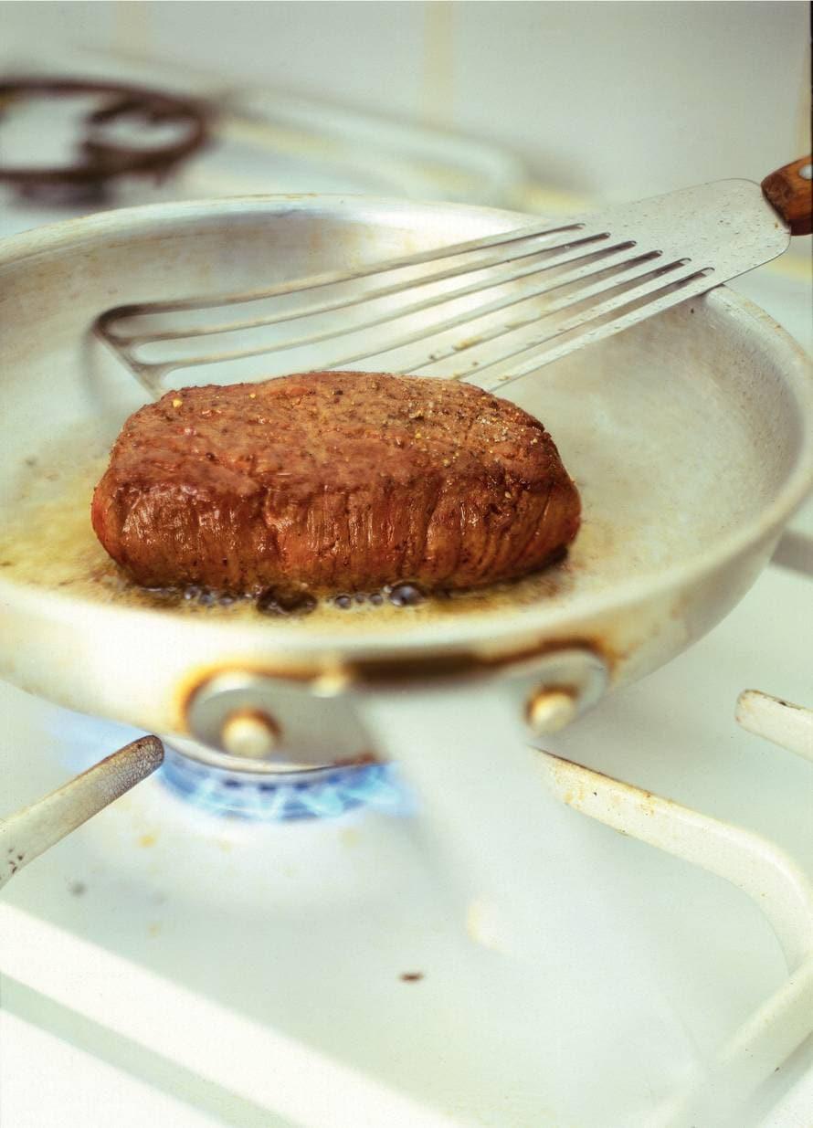 Stap-voor-stap biefstuk bakken (met jus!)