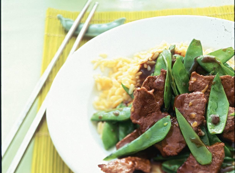Roergebakken peultjes met biefstuk