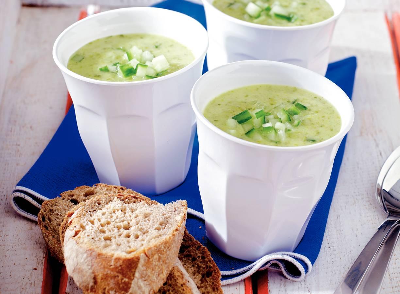 Slasoep met komkommer
