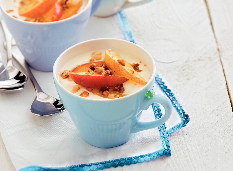 Perzik met kwark en bitterkoekjes