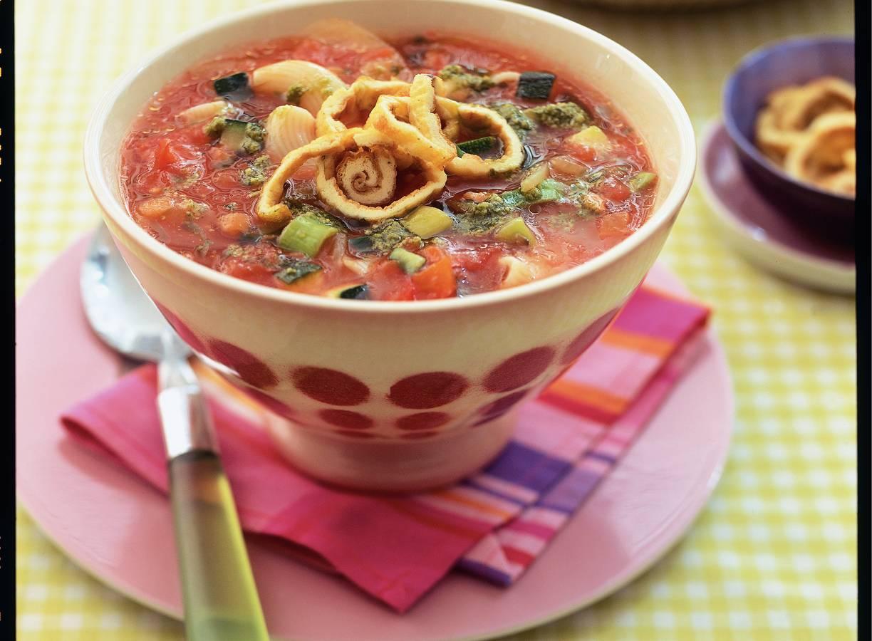 Italiaanse tomatensoep met omelet