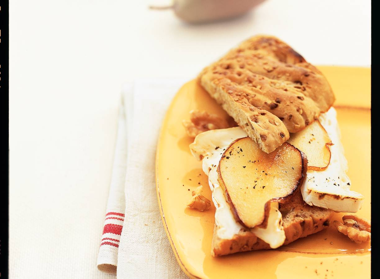 Broodje geitenbrie en peer
