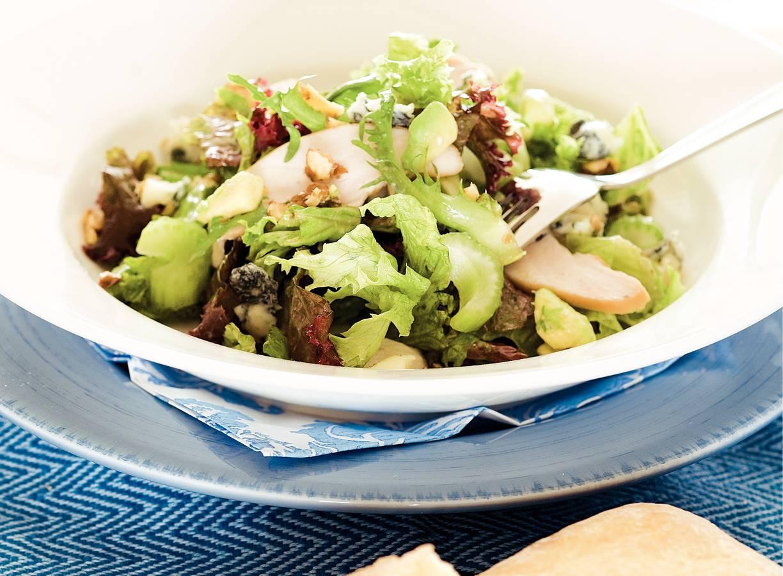 Maaltijdsalade met kip en roquefort