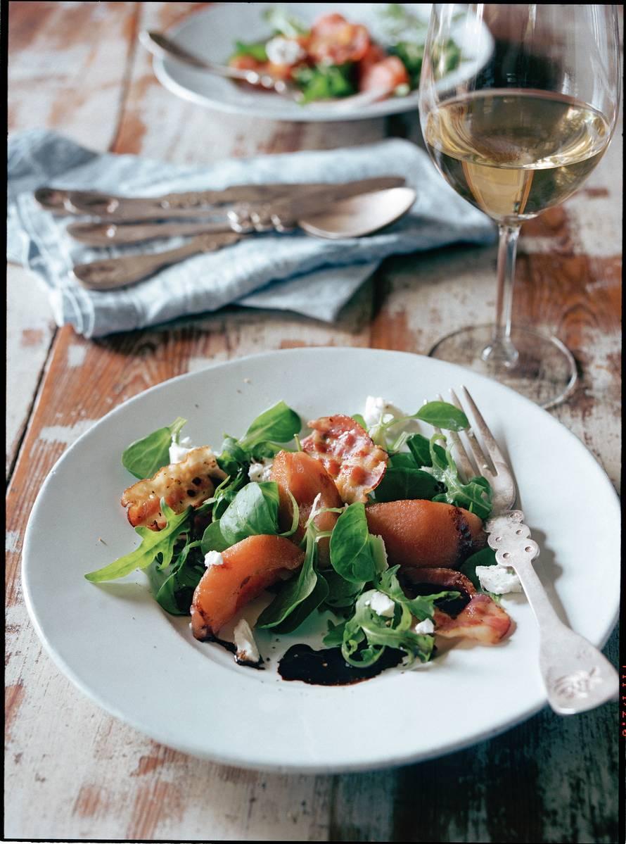 Lauwwarme salade van stoofpeertjes