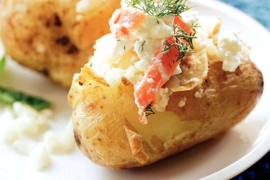 Gepofte aardappels met...