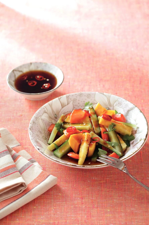 Zoete fruitsalade met peperdressing