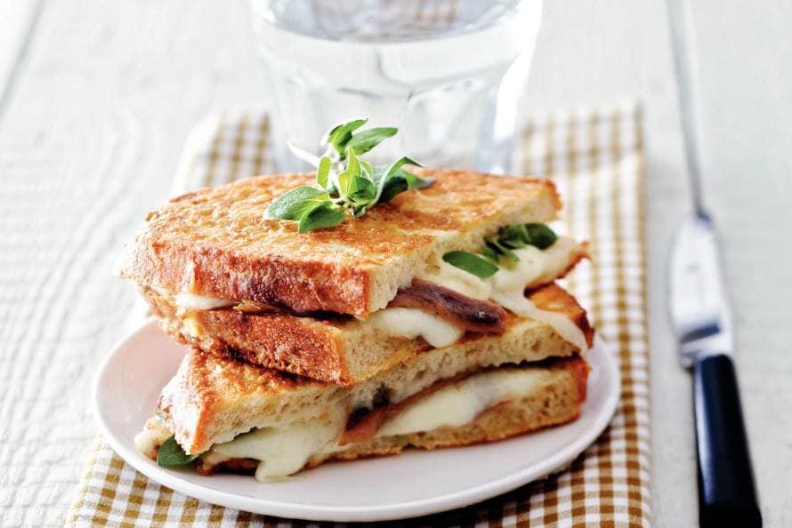Genoeg Mozzarella in carrozza - Recept - Allerhande - Albert Heijn #CU54