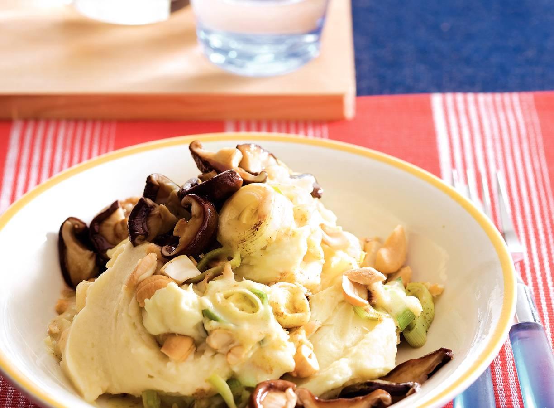 Preistamppotje met noten en shii-takes