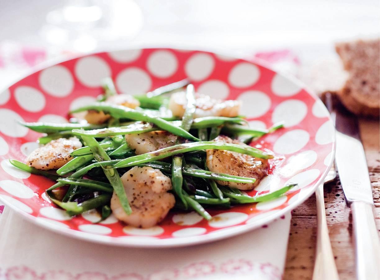 Salade met sint-jakobsschelpen