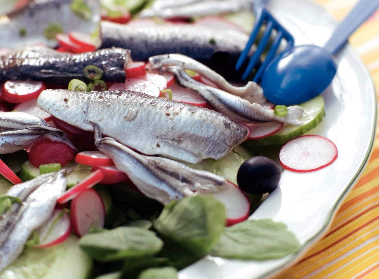 Gemarineerde visjes met olijven