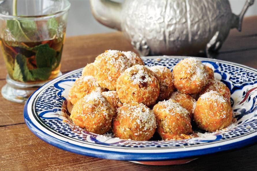 Zoete wortel-notenballetjes van Simone Grent