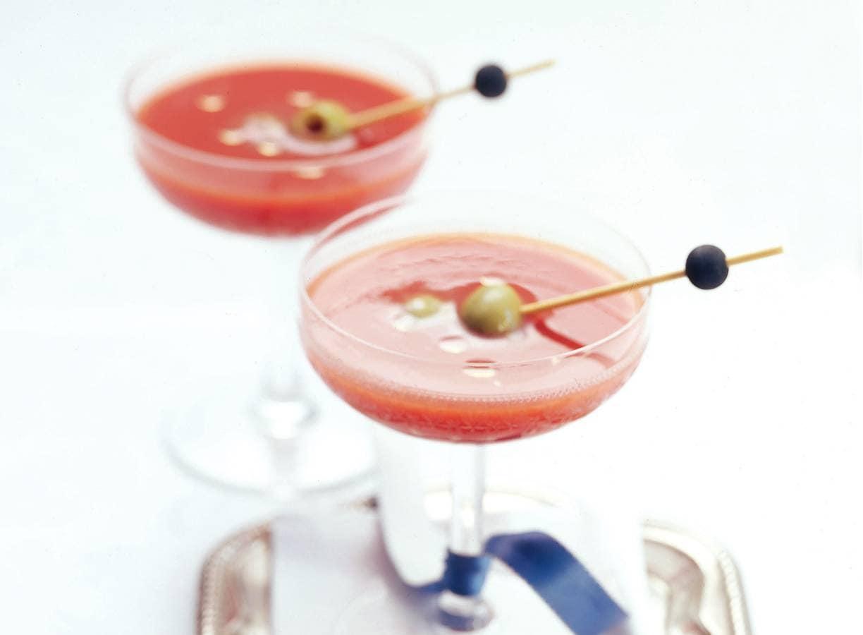 Tomatensap met droge vermouth