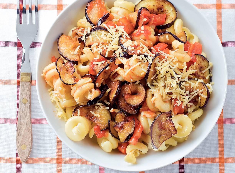 Pasta alla norma met tomaat & aubergine