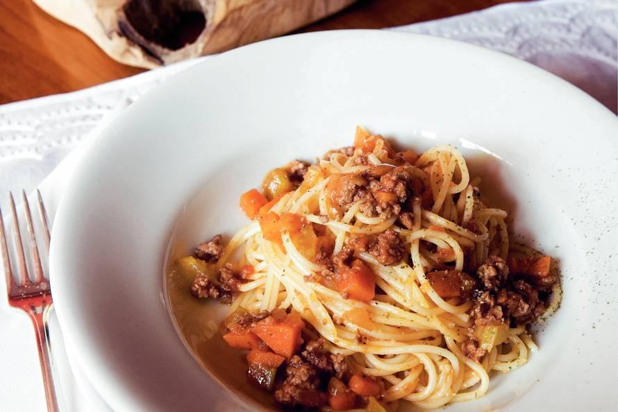 bord spaghetti bolognese calorieen