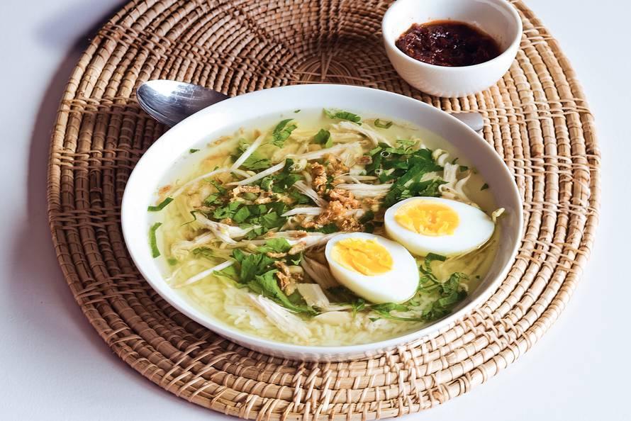 soto ajam indonesische kippensoep recept allerhande albert heijn