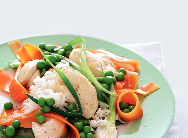 Gestoomde kip met wortellinten