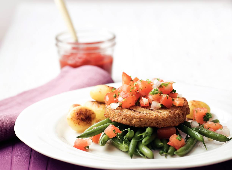 Vegetarische hamburger met groenten
