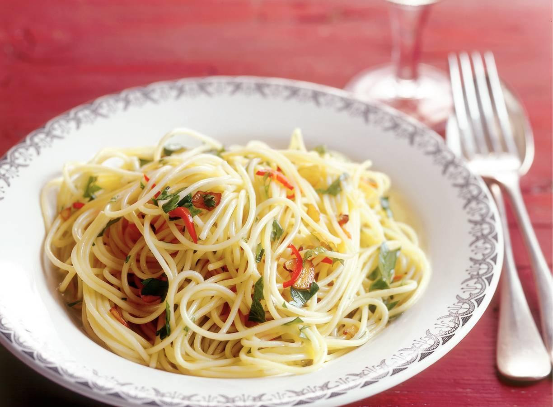 Spaghettini met knoflook, peper en olijfolie