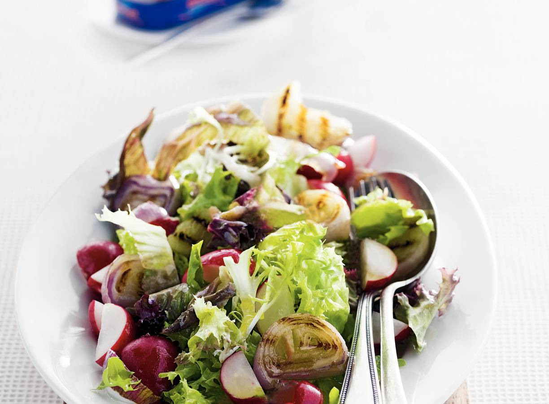 Salade met radijs en ansjovisdressing