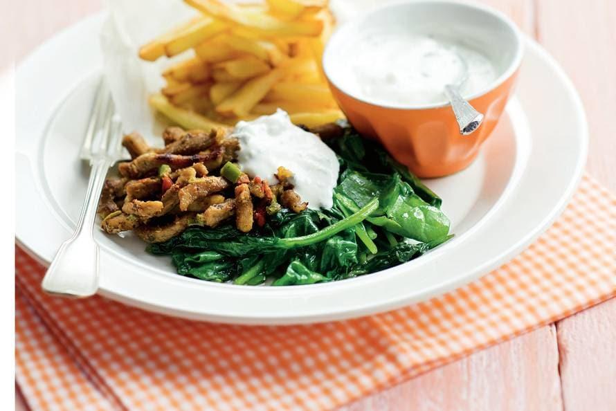 Gyrosreepjes met ovenfrites en spinazie