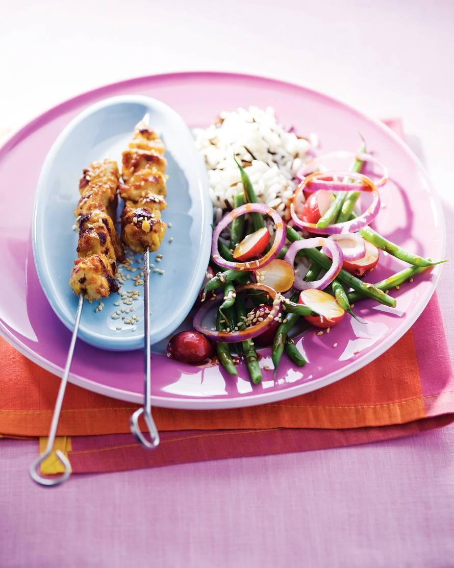 Thaise kipspiesjes met rijst en salade