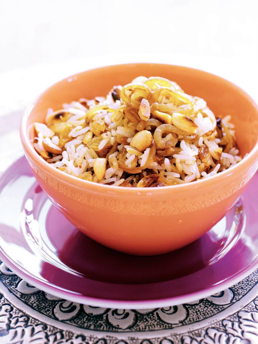 Rijst met amandelen en rozijnen