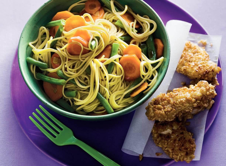Knapperige pindakip met groentemie