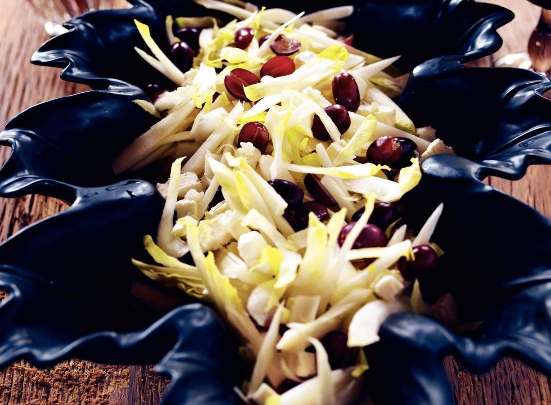 Rauwe witlofsalade met witte kaas & druiven