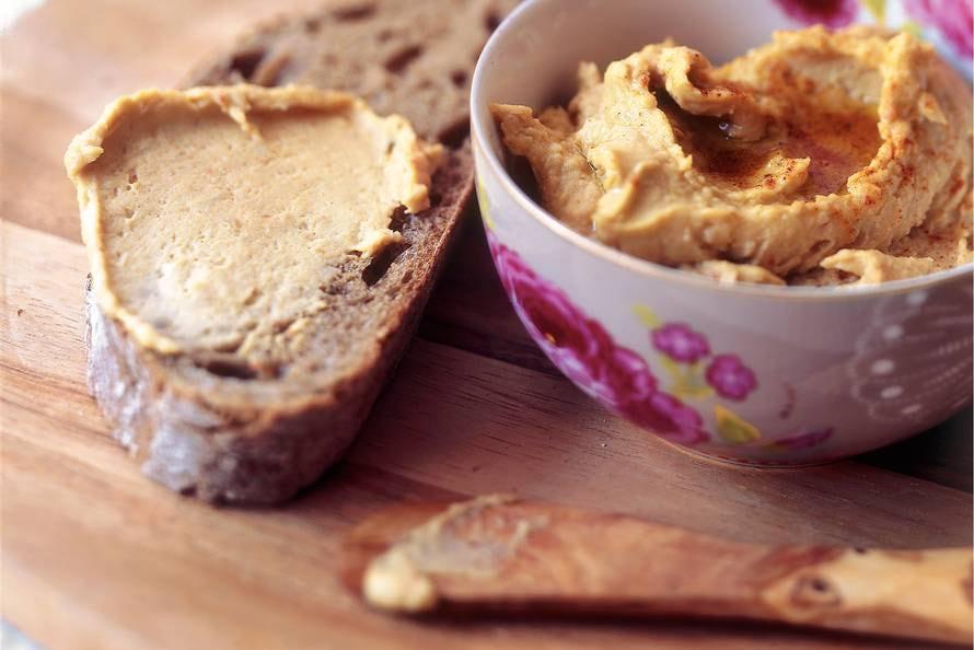 Hummus van reuzenbonen