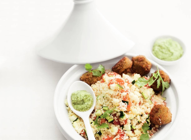 Couscous met falafel en korianderpesto