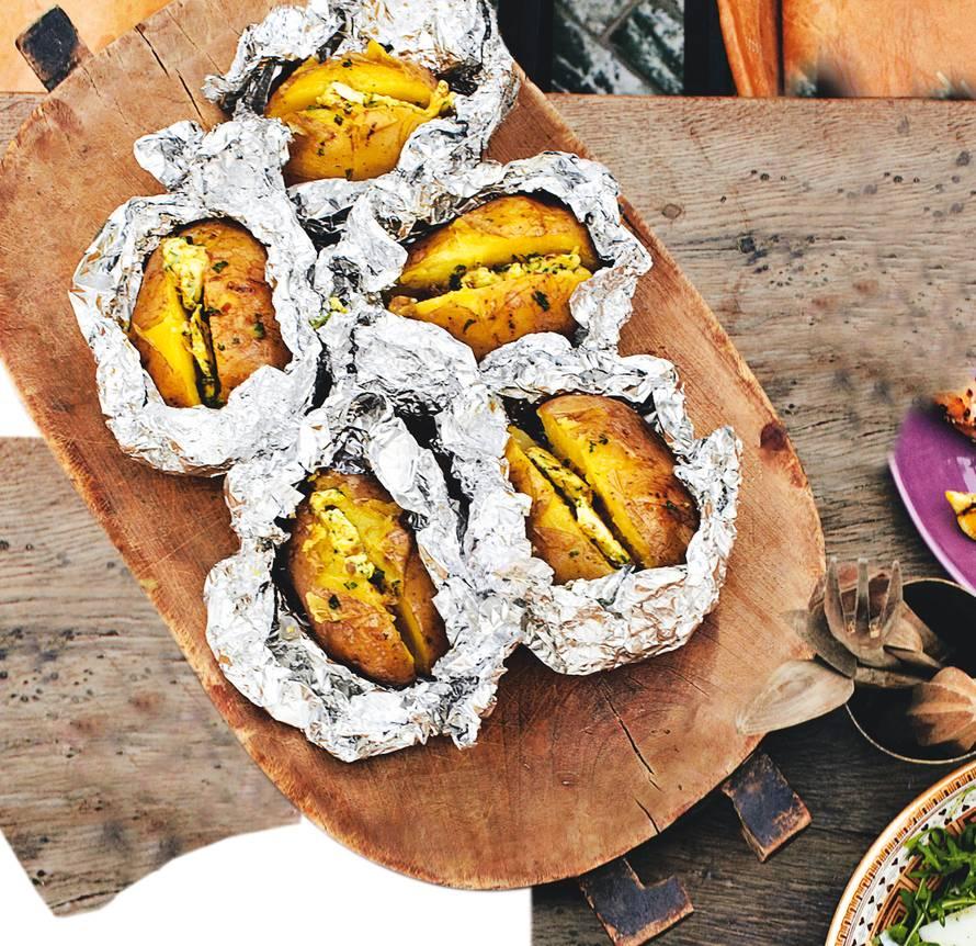 Gepofte aardappel met curryboter
