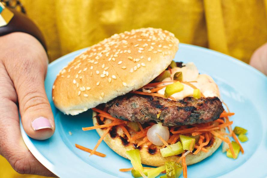 Hamburger met pittige mayonaise