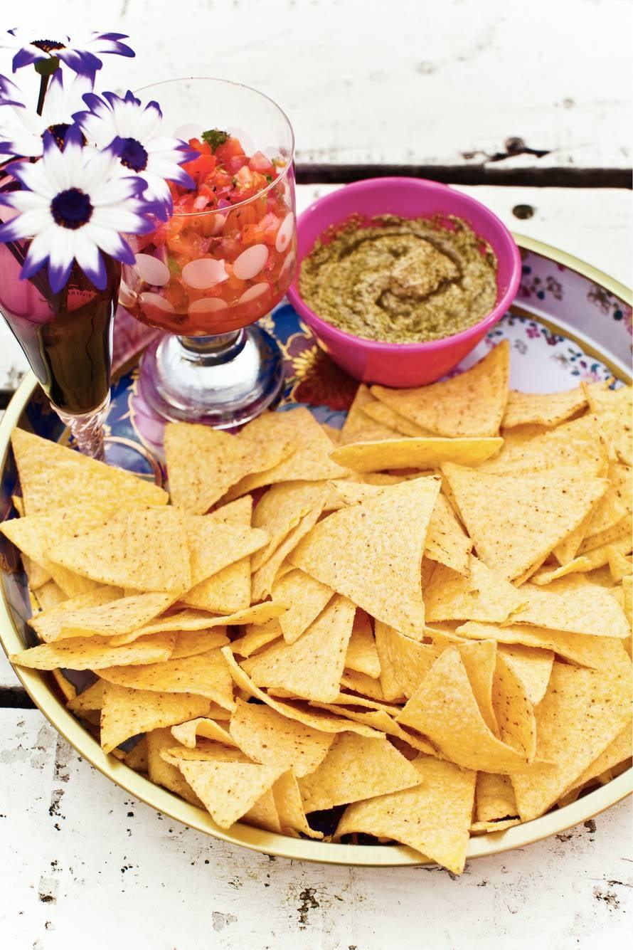Tortillachips met snelle salsa's