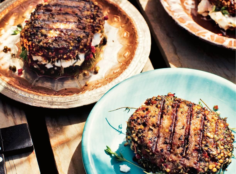 Pepersteak met geitenkaas en tijm