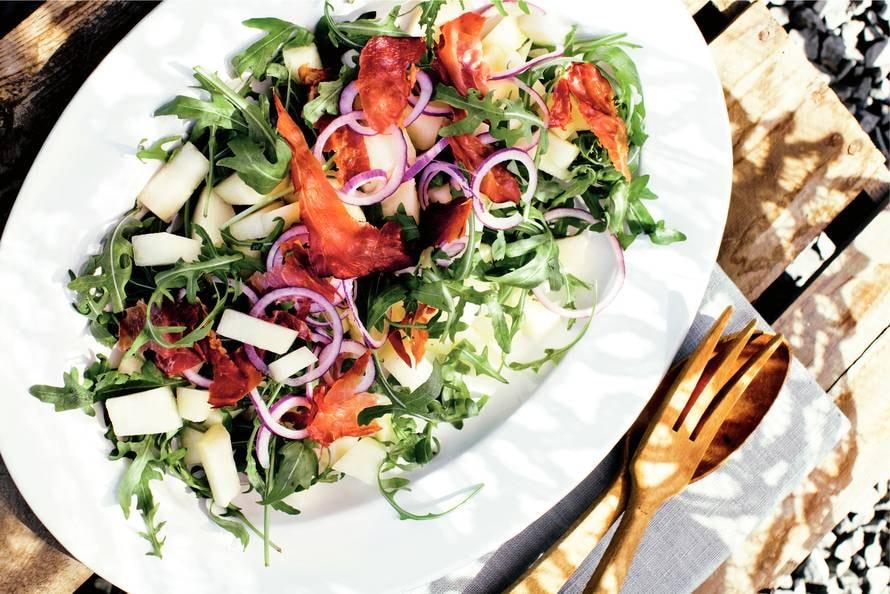Salade van meloen, rucola en ham